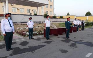 Сардобадаги офатга қарши курашда ёрдам берган 51 нафар Наманган ИИБ ходими тақдирланди (фото)