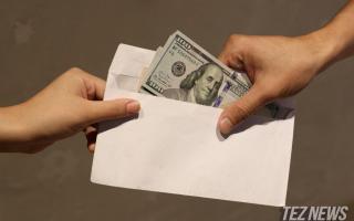 Сирдарёда «права» тоифасини ўзгартиб бериш учун фуқаролардан 1100 доллар олган масъул ушланди