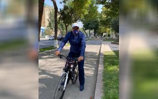Азиз Абдуҳакимов барчани «Бутунжаҳон автомобилсиз куни»да пиёда юришга чорлади