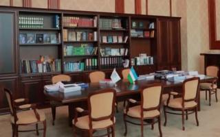 Видео: Ислом Каримов 7 йил ишлаган хонадан репортаж