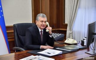 Шавкат Мирзиёев Нурсултон Назарбоевни Биринчи президент куни билан табриклади