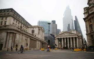 Британияда COVID-21 туфайли Лондон кўчалари бўшаб қолди — видео