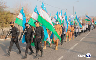 Фото: Тошкентда мингдан зиёд ёшлар иштирокида парад ўтказилди