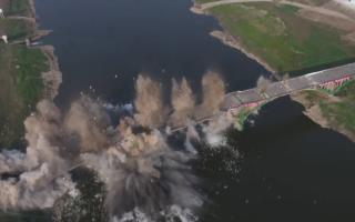 Хитойда авария ҳолатидаги 760 метрлик кўприк портлатиб юборилди — видео