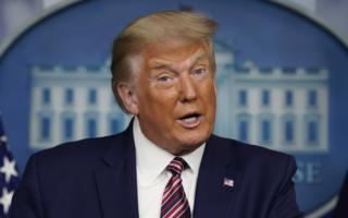 Трамп АҚШда COVID-19 билан боғлиқ рақамлар бўрттириб кўрсатилаётганини айтди