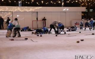Тошкентдаги муз майдони очилишида хоккейчи болалар муштлашиб кетди — фото