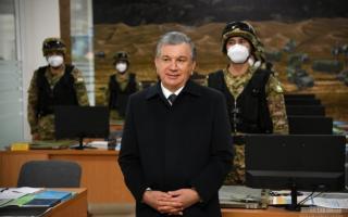 Шавкат Мирзиёев таътилдан қайтди. Президент Марказий ҳарбий округ артиллерия бригадасини бориб кўрди