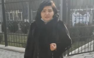 Андижон шаҳар суди олдида блогер очлик эълон қилди