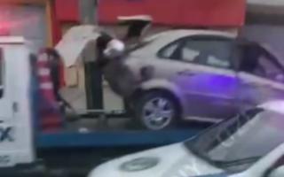 Тошкентда «Toyota» билан тўқнашган «Lacetti» яна иккита машинага шикаст етказди — видео