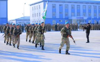Фоторепортаж: Президент борган ҳарбий қисмда 200 нафар ёшлар учун йиғин бошланди