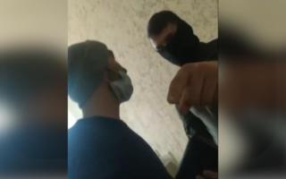 Россияда Ўзбекистон фуқароси калтакланди – видео